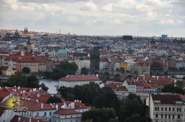O Castelo de Praga é o maior castelo do mundo
