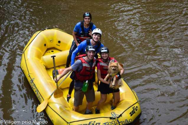 Rafting pet em Brotas: uma aventura animal!