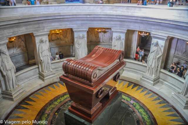 Túmulo do Napoleão no museu Invalides, Paris