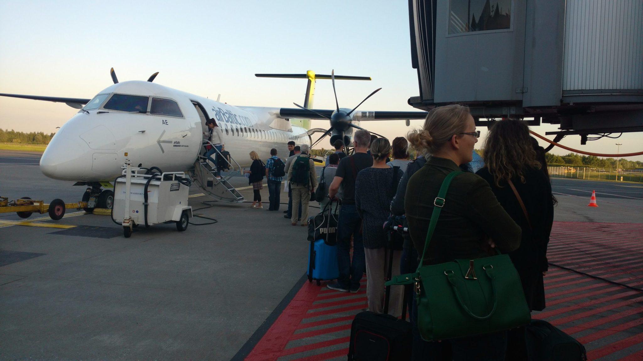 avião pista viagem