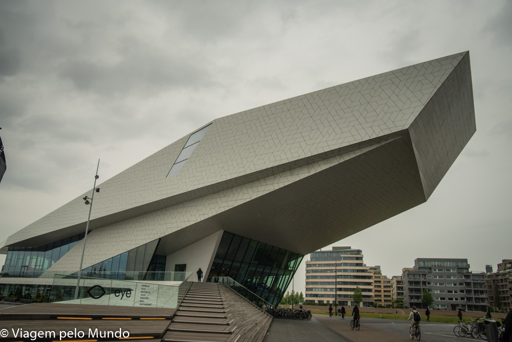 Andando de balsa em Amsterdam (grátis)